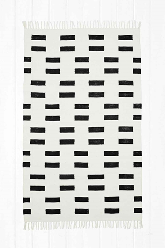 Block Geo 4X6 Rug In Black Urban Outfitters