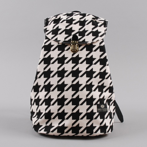 Bag 'N' Noun Houndstooth Napsac Black White