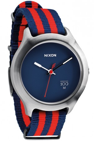 Montre Quad Navy Red Nato chez Nixon Timefy