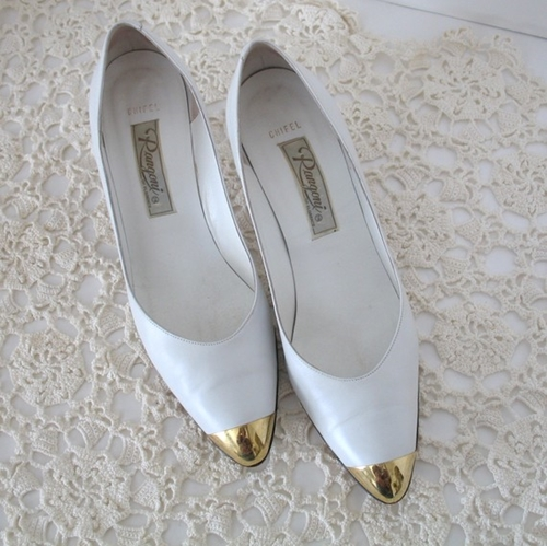 Vintage Italian Leather White Shoes with Gold by momsfavoriteshop