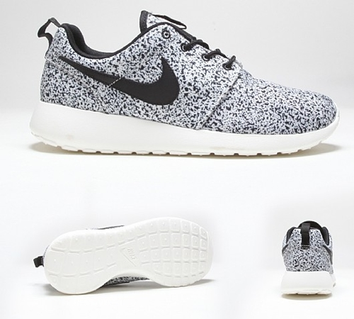 clearance under $60 discount outlet store Nike Roshe Trainers In White And Black cheap sale with paypal free shipping reliable IYIQ8M