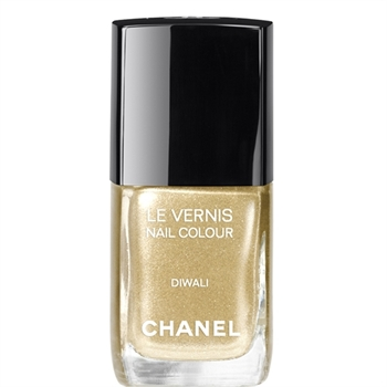 LE VERNIS DIWALI Nails Chanel Makeup