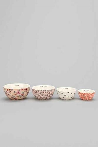 Plum Bow Patterned Measuring Cup Set Of 4 Urban Outfitters