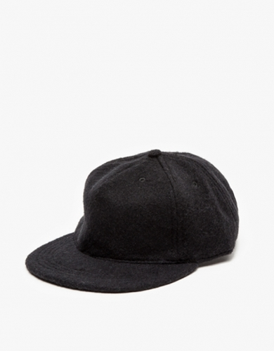 The Pleat Cap In Wooly Black