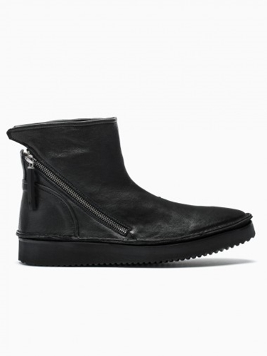 Diagonal Zip Low Boot From F W2014 15 Bb Washed Collection In Black Leather.