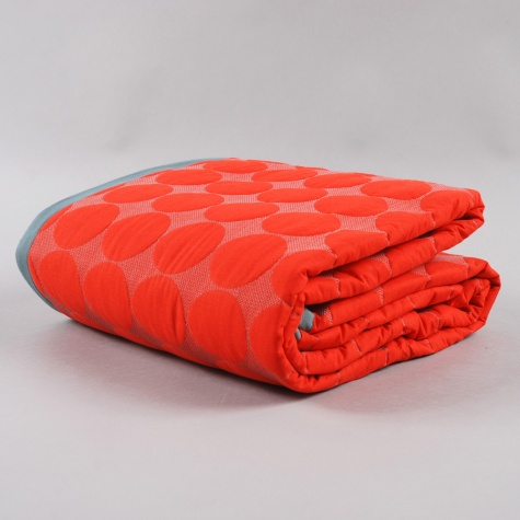 Hay Mega Dot Quilt Red