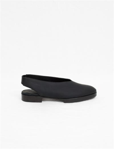 Creatures Of Comfort X Ld Tuttle Greta Flat Black