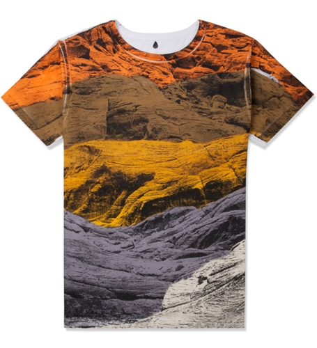 Sangue Castel Maglia T Shirt Hypebeast Store. Shop Online For Men's Fashion Streetwear Sneakers Accessories