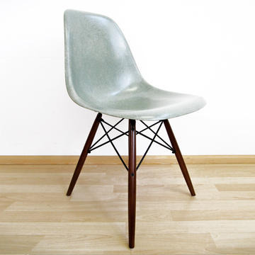 eames chair dsw hellgrau eames vintage chairs nuji. Black Bedroom Furniture Sets. Home Design Ideas