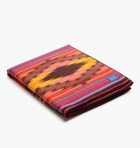Pendleton Bright River Blanket Ze493 52872 At C Store Caliroots The Californian Twist Of Lifestyle And Culture