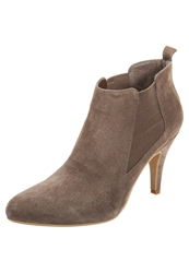 Pier One High Heeled Ankle Boots Tobacco Brown