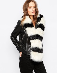 New Look Colourblock Faux Fur Stole Blackpattern