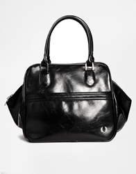 Fred Perry Trapeze Shoulder Bag In Black