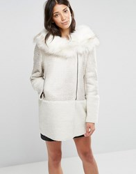 Glamorous Coat With Faux Fur Collar Cream