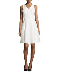 Halston Heritage Sleeveless Fit And Flare Cocktail Dress Size 6 Ivory