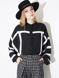 Pixie Market Graphic Black And White Top