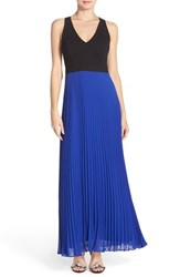 Petite Women's Laundry By Shelli Segal Pleated Crepe Fit And Flare Gown