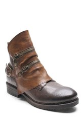 Two Lips Atia Two Tone Boot Brown