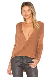 Nytt Twist Front Top Cognac