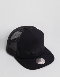 Mitchell And Ness Trucker Snapback Cap Tonal Black