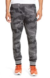 Men's Adidas Originals Print Tech Jogger Sweatpants