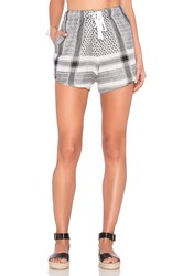 Assembly Label Claire Short Gray