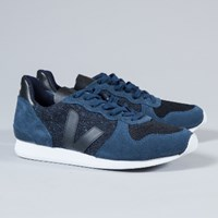 Veja Men's Navy Holiday Low Trainers