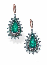 Arunashi Emerald Tear Drop In Pear Cups Earrings Green