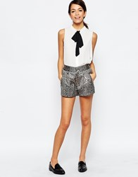Traffic People Dorris Shorts In Feather Jacquard Black