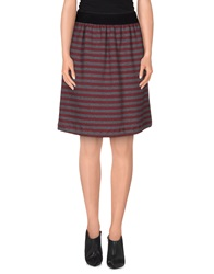 Douuod Knee Length Skirts Maroon
