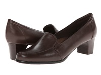 Trotters Gloria Mocha Leather Women's Slip On Shoes Brown