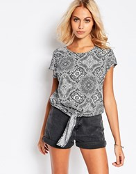 Jdy Printed Tie Front Top Black White