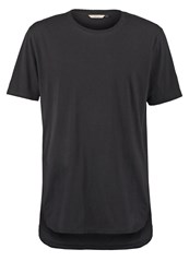Revolution Basic Tshirt Black