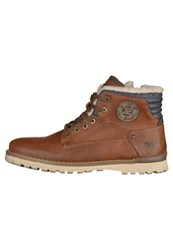 Mustang Laceup Boots Chestnut Brown