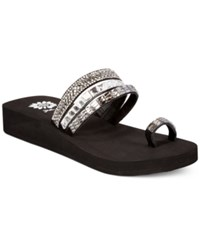 Yellow Box Lesa Wedge Thong Sandals Women's Shoes Black Clear