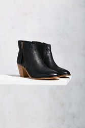 Urban Outfitters Faye Leather Boot Black