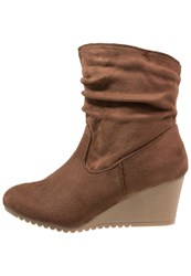 Evans Ascot Wedge Boots Brown