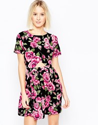 Daisy Street Skater Dress In Floral Print With Cut Out Detail Black
