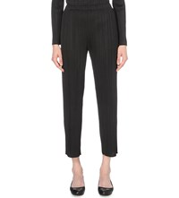 Issey Miyake Cropped Pleated Trousers Black
