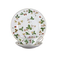 Wedgwood Wild Strawberry Afternoon Tea Set