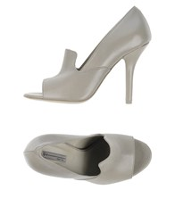 Vic Footwear Courts Women Grey