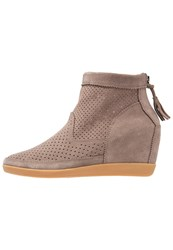 Shoe The Bear Emmy Ankle Boots Taupe
