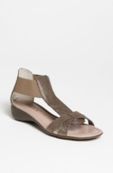 The Flexx Women's 'Band Together' Sandal Pewter