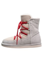 Ugg Lodge Winter Boots Moonrise White