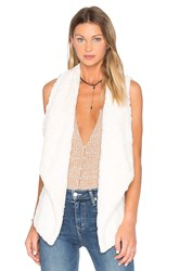 Bb Dakota Jack By Cordova Faux Fur Vest Ivory