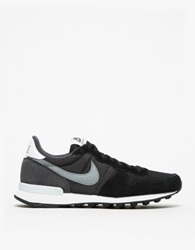 Internationalist In Black Grey