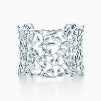 Tiffany And Co. Paloma Picasso Olive Leaf Cuff In Sterling Silver Medium.