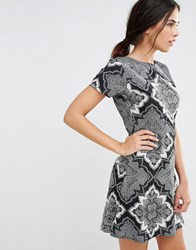 Daisy Street Skater Dress In Scarf Print With D Ring Back Black
