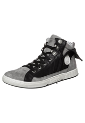 Pataugas Just Hightop Trainers Noir Black