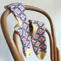 Pink Cashmere Snowflake Socks By Lowie